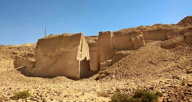 Ancient Egypt: 3000 Year Old Port Used By Builders Found